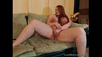 Busty chubby babe plays with her pussy on cam