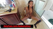 HOT EBONY FREAK DOES IT ALL l!!!!!!!
