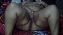 Masturbating in bed moaning very rich, alone in my room