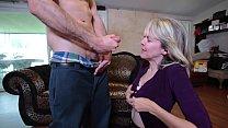 Mature gives me oral صورة