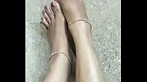 Tamil Young Married Wife Show her Sexy Legs