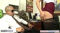 Office babe in glasses Kennedy Leigh gets nailed