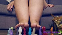 Giantess CRUSHES Bad Dragon cocks between her CUM COVERED TOES!!! *Full Version on XVIDEOS RED*
