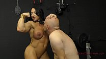 Muscle Queen Brandi Mae Makes Her Slave Lick He...