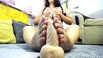 Foot job and foot fetish from beautifull big boobs milf in sexy lingery!