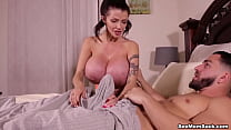 Big Boobs Joslyn James treats Boy-Toy with INCREDIBLE Blowjob and Handjob