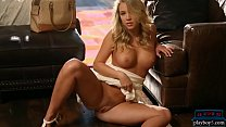 Hot teen blonde Cali Sparks reveals her perfect body