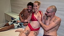 Brazilian blonde milf from São Paulo came to Rio de Janeiro to fuck with two friends and end up swallowing cum