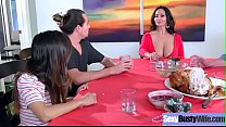 Sex Tape With Hot Big Juggs Housewife (Ava Addams) mov-06