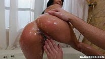 Bathtime Blowjob with Veronica Rodriguez