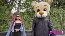 Rosario is horny on the street and ends up fucking Milky Bear ... Don't look at him if you're sensitive !!
