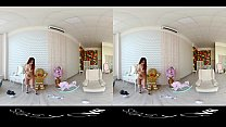 Compilation of gorgeous solo girls teasing in HD Virtual Reality video Vorschaubild