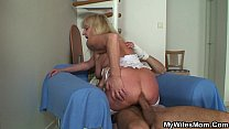 Free download video bokep Bigcocked guy fucks blonde granny inlaw