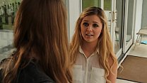 Real college teens meet at home to confess on b...