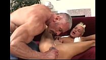 Daddy Plays With His Twink (dads-lap.blogspot.com)