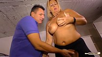 HAUSFRAU FICKEN - Blonde German housewife gets her amateur pussy drilled Vorschaubild