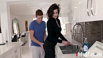 Son Wants To Force Fuck Stuck Mom First- Becky ...