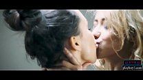 Amazing lesbian sex with a Colombian and a Russian babe صورة
