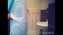 Hidden cam in bath room finally caught my cute ...
