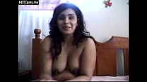Sexy indian aunty on cam for hubby pornhub video