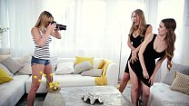 Mom, Daughter and the photographer - Tanya Tate, Samantha Hayes, Brett Rossi pornhub video