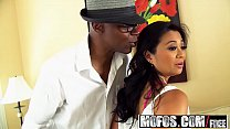 Mofos - Milfs Like It Black - Lucky Starr - Little Asian Dumpling
