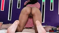 Amateur Thai massage babe gets a creampie in he...