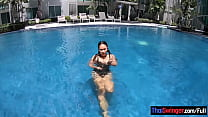 Big ass amateur Thai girlfriend horny hotel blowjob and doggy fucking