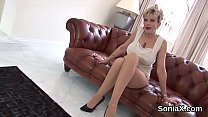 Cheating uk milf lady sonia unveils her enormous naturals's Thumb