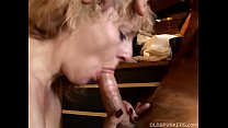 Sexy blonde MILF gives a great blowjob's Thumb
