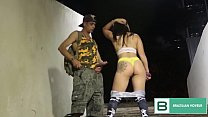 He got a fire in the pussy and and exhibited in the tunnel for the drivers. ( full video in xvideos red )