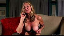 Saucy old spunker in stockings loves to fuck her juicy pussy for you Vorschaubild