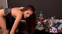 PURE XXX FILMS Tina is the squirting magician صورة