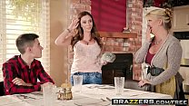 Brazzers - Mommy Got Boobs - Homemade American Tits scene starring Ariella Ferrera and Jordi El Ni&a - 9Club.Top