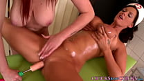 Lesbian oral and fingering in an amazing session