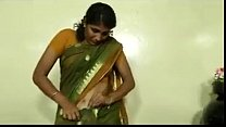An indian mallu hot neighbour bhabhi teaching how to wear saree Thumbnail