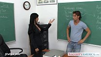 Tattooed Jewels Jade fuck in classroom