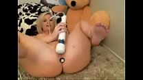 Naughty Chubby girl vibes to orgasm - More on FREEWEBCAMSLUT.com