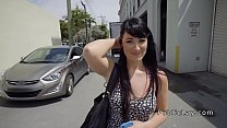 Brunette fucks big dick in truck park Vorschaubild