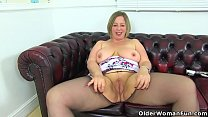 English milf Shooting Star dildos her luscious ...