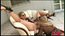 Screenshot What&acutes bet ter than an outside threesome  side threesome with 2