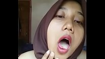 Indonesian Malay Hijabi Horny 02 thumb