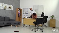 Busty hot-blooded boss Harmony Reigns fucked hard by employee at the office Vorschaubild