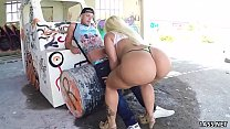 Fat ass Blondie Fesser gets banged outdoor