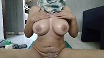 REAL ARAB MOM IN HIJAB OIL MASTURBATION AND WET...