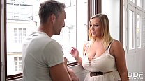 Smoking hot babe with big tits Krystal Swift lo...
