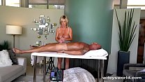 Wifey Gives Herself A Huge Facial صورة