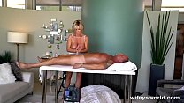 Wifey Gives Herself A Huge Facial Vorschaubild