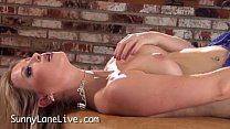 Sexy All Natural Sunny Lane Makes Herself Cum!