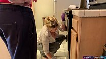 Sweetmissamelia Cam - stepmom is horny and stuck in the oven thumbnail